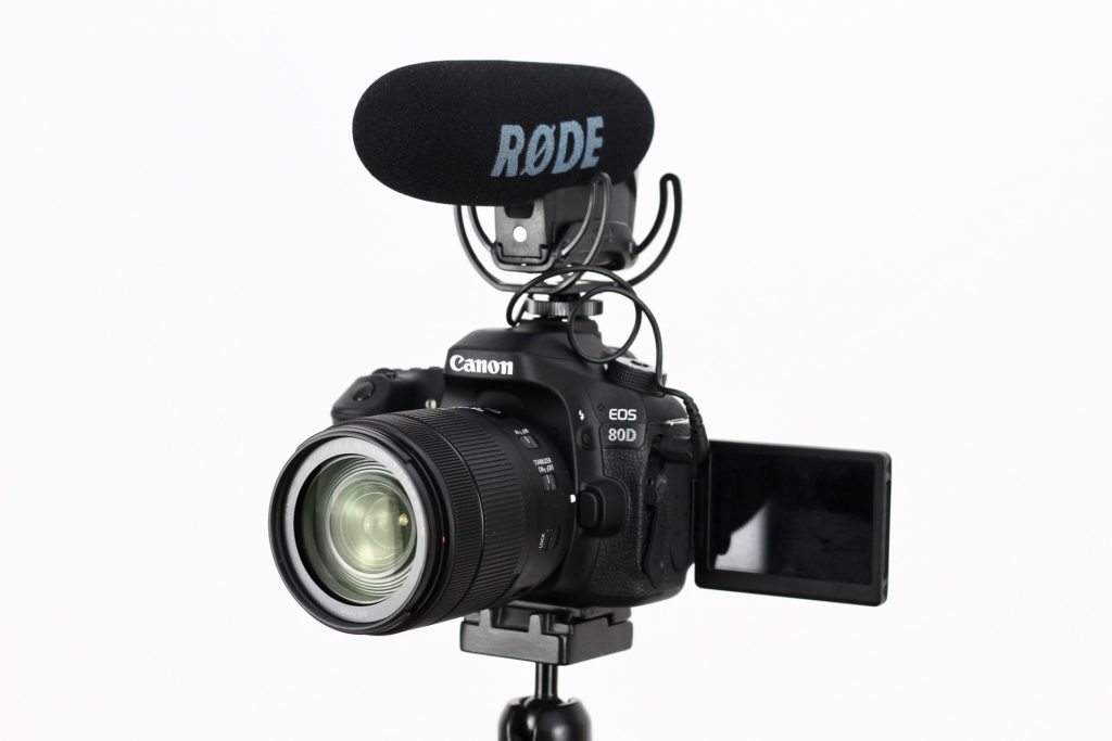 What makes a good vlogging camera?
